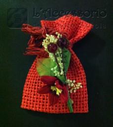 Sacchetto rete con fiorellino rosso